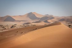 No visit to Namibia is complete without a visit to the dunes and escarpment of the oldest desert in the world – the NAMIB. Deserts Of The World, Namib Desert, The Dunes, African Safari, Back In Time, Travel Deals, Wilderness, Cool Photos, Sunrise