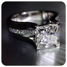 Bold, bright and beautiful. This custom Classico-0069P is a true original. Engagement rings by @Verragio