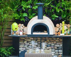 Pizza oven on Gabion stone basket