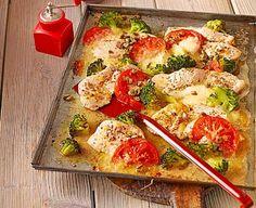 Low Carb Rezepte: Putenschnitzel mit Brokkoli vom Blech