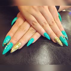Turquoise / Teel and Gold Nails . Long sharp acrylic stilettonails. Beautiful luxurious spring stilettos . Gorgeous beauty picture took with iPhone 6 Plus . © Nora Tarvus 2016 / http://dreamerachiever.com . More photos of nails in blog !