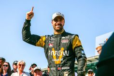 Global technology company Arrow Electronics, Inc. (NYSE:ARW) congratulated James Hinchcliffe, driver of the Arrow-sponsored No. 5 Indy car, and the entire Schmidt Peterson Motorsports (SPM) team on a successful 2016 racing season, which concluded yesterday at the GoPro Grand Prix of Sonoma.  #GoProGP #IndyCar #Hinchtown