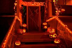 Make your Halloween party the talk of the town with out-of-the-box decoration ideas on spooky themes. Choose zany Halloween party decoration ideas here. Halloween Horror Nights, Halloween Ii, Halloween Porch, Outdoor Halloween, Diy Halloween Decorations, Holidays Halloween, Halloween Crafts, Happy Halloween, Halloween Lighting
