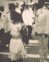 Footage of the last Imperial family of Russia. Video de la famille royale de Russie. Le denier Czar ete Nicholas II, et il avait cinq enfant; Olga, Tatiana, Maria, Anastasia, et Alexei. La famille etaient tue par les Bolsheviks le 17 Juillet 1918.