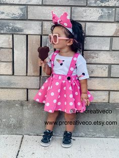 Our cute outfit is perfect for your next or a trip to parks! Minnie Mouse Birthday Decorations, Minnie Mouse Birthday Outfit, Minnie Mouse Theme, Pink Minnie, Mini Mouse Outfit, Mickey Birthday, 2nd Birthday Party For Girl, Mini E, Mo S