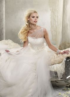 Bridal Gowns, Wedding Dresses by Alvina Valenta - Style AV9216