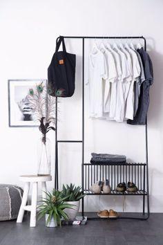 Kledingrek industrieel van By Boo | Wants&Needs #industrial #closet #industrialdesign #inspiration#interiordesign #interior #ideas #designinspiration #inspiration