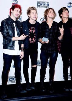 5 Seconds of Summer at the 2014 American Music Awards - Nov. 23