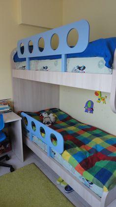 Κρεβάτι-κουκέτα και γραφείο σε χρώμα δρυς από Laminate Egger έπιπλα Καφρίτσας Αρης Toddler Bed, Furniture, Home Decor, Child Bed, Decoration Home, Room Decor, Home Furnishings, Arredamento, Interior Decorating