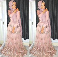 Sabina Hannan Eid Outfits, Modest Outfits, Dress Outfits, Muslim Fashion, Modest Fashion, Hijab Fashion, Pakistani Bridal Wear, Pakistani Dresses, Sabina Hannan