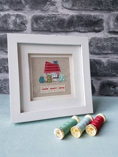 Original textile picture home sweet home new home picture Fabric Pictures, New Home Gifts, Home Pictures, Family Gifts, Light Beige, Hobbies And Crafts, Baby Patterns, Textile Art, Machine Embroidery