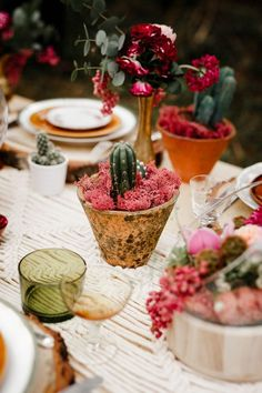 Pink Wedding Theme, Green Wedding, Boho Wedding, Summer Wedding, Wedding Table Decorations, Wedding Centerpieces, Southwestern Wedding Decor, Cactus Centerpiece, Table Garland