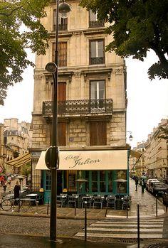 Hôtel de Ville, Chez Julien, Brasserie, 62 rue de l'Hôtel de Ville, Paris IV