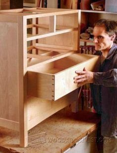 Build Drawers - Drawer Construction and Techniques | WoodArchivist.com