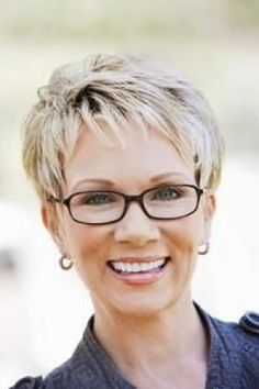 Short hair styles for women over 50 with glasses pictures 1