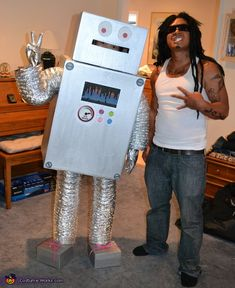 Ronnie the Robot Costume - Halloween Costume Contest via @costumeworks