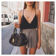 #summer #fashion #outfit #street #streetstyle #top #shorts #black #bag #ootd #jewellery