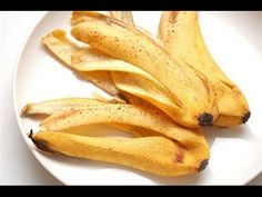 Banana skin is not a miracle weight loss superfood Natural Treatments, Natural Remedies, Bananas, Home Remedies For Mosquito, Get Rid Of Corns, Warts On Hands, Banana Uses, Plant Care, Indoor Garden