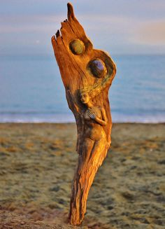 Debra Bernier is an extraordinary artist from Victoria, Canada. She uses natural materials, such as driftwood, clay, and shells to create mesmerising sculptures. These intricate pieces represent the spirits of nature as human fusing together with the natural material.
