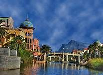 Yes, this is what a mall looks like in Cape Town, where everything is breathtaking Names Of Artists, Cape Town South Africa, Beaches In The World, Most Beautiful Beaches, Places To See, Vacation, Mansions, Country, City