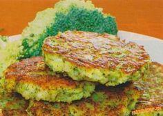 Brokolicové placky 700 g brokolice, 4 vajcia, 4 PL hladkej múky, 4 PL strúhanky, 50 g strúhaného syra, štipka muškátového orieška, soľ, korenie, olej  POSTUP 1. Brokolicu umyjeme, rozoberieme na ružičky a uvaríme v osolenej vode, zlejeme. 2. Odkvapkanú brokolicu nakrájame. Pridáme múku, rozšľahané vajcia, nastrúhaný syr, muškátový oriešok, soľ, korenie, premiešame a zahustíme strúhankou. 3. tvarujeme placky a z oboch strán ich opečieme dozlata. Vegan Recipes, Cooking Recipes, Good Food, Yummy Food, Czech Recipes, Cooking Light, International Recipes, Vegetable Recipes, Food And Drink