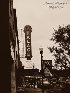 Rosevine Cottage Girls: The Palace Theater, Fried Pickles and Swaneys Swifts - Historic Downtown Gallatin Part 1