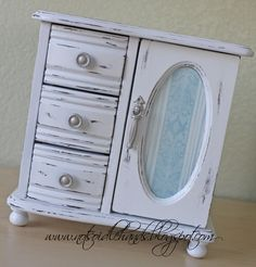 my first jewlery box from my husband looks alot like this one, hmmmm, revamp for my daugher?