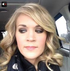 Carrie Underwood - love the curls