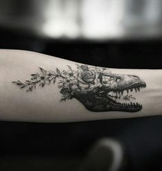 13 Tiny Halloween Tattoos For The Understated Goth Girls Out There - Floral dragon skull tattoo - T Rex Tattoo, Tattoo On, Piercing Tattoo, Piercings, Tattoo Quotes, Cat Skull Tattoo, Fun Tattoo, Tattoo Drawings, Full Sleeve Tattoos