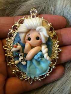 1 piece of Elsa Frozen Polymer Clay Cameo por KellyBowieDesign