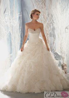 Sweetheart Neckline Organza and Beading Wedding Dress