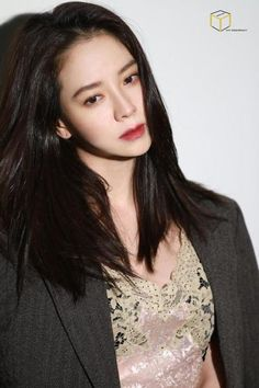 Song Ji Hyo for Vogue. © MY Company