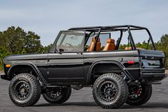 Velocity Restorations Fully Loads a 1969 Supercharged Classic Ford Bronco - Voiture Bronco Truck, Ford Ranger Truck, Lifted Ford Trucks, Chevy Trucks, Pickup Trucks, Jeep Pickup, Old Ford Bronco, Toyota Trucks, 2020 Bronco