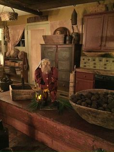 My primitive Santa ❤️Susan Brux Primitive Christmas Decorating, Primitive Country Christmas, Primitive Santa, Prim Christmas, Primitive Antiques, Christmas Kitchen, Simple Christmas, All Things Christmas, Vintage Christmas