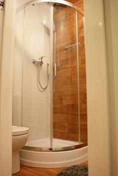 Łazienka Rubiloft 24 m2 Bathtub, Bathroom, Standing Bath, Washroom, Bath Tub, Bathtubs, Bathrooms, Bath