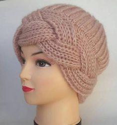 Winter knitted women's beret – Winter Outfits – Harika El işleri-Hobiler Knitted Beret, Knitted Headband, Crochet Hats, Baby Knitting Patterns, Knitting Stitches, Hand Knitting, Knitting Yarn, Winter Knit Hats, Winter Hats For Women
