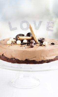 Suklaajuustokakku mutakakkupohjalla   Maku Tiramisu, Eat, Ethnic Recipes, Food, Cakes, Essen, Cake, Pastries, Tiramisu Cake