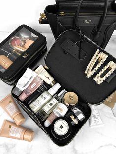 10 Best Travel Makeup Bags Source by saniahealth bag fashion simple Makeup Travel Case, Makeup Case, Makeup Pouch, Makeup Bag Organization, Eos Lip Balm, Victoria Secret Perfume, Makeup Training, Divas, Look Boho