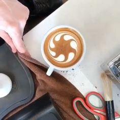Astonishing Latte Art 😍 - espresso - cappuccino - co. Coffee Artwork, Coffee Latte Art, Coffee Barista, Coffee Cafe, Coffee Shop, Cuban Coffee, Hot Coffee, Cappuccino Machine, Espresso Machine