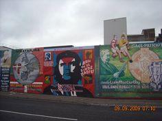 Murals al començament de Falls Road, carrer principal del barri catòlic de Belfast
