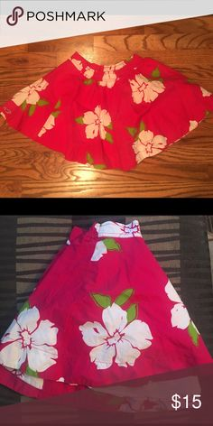 HOLLISTER floral pink/white skirt X-small, like new!!! Hollister Skirts Mini