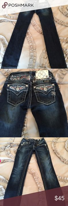 Girls Skinny jeans Worn once, excellent condition. Smoke free home. Skinny jeans Miss Me Bottoms Jeans