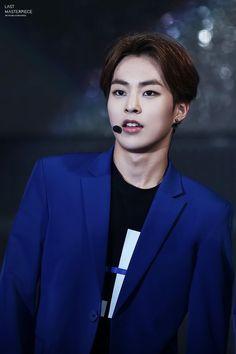 because i love you. — 150414 Jeju K-Pop concert. Last Masterpiece Exo Xiumin, Kpop Exo, Exo Ot12, Cute Funny Pics, Pops Concert, Ko Ko Bop, Exo Korean, Kim Min Seok, Kim Junmyeon