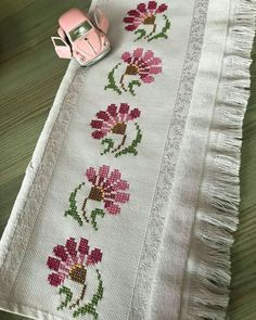 1 million+ Stunning Free Images to Use Anywhere Cross Stitch Letters, Cute Cross Stitch, Cross Stitch Rose, Beaded Cross Stitch, Cross Stitch Borders, Cross Stitch Flowers, Cross Stitch Designs, Cross Stitching, Hand Embroidery Videos