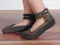 Ravelry: Double Strap Slippers pattern by Kristi Simpson $3.99