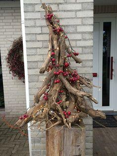 noel design Wortelstronk Basis We - noel Christmas Ad, Diy Christmas Tree, Outdoor Christmas, Rustic Christmas, Simple Christmas, Christmas Wreaths, Christmas Ornaments, Christmas Ideas, Decoration Christmas