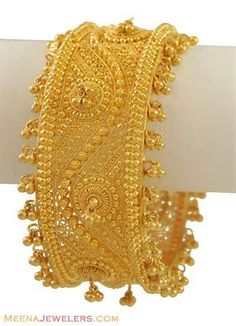 Gold Bangle with Ghugri - - yellow gold kada (bridal bangle) exclusively designed with filigree designs and gold balls / ghu The Bangles, Bridal Bangles, Silver Bracelets, Bridal Jewelry, Indian Gold Bangles, Silver Ring, Bracelets Design, Gold Bangles Design, Gold Jewellery Design