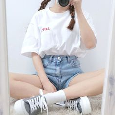 Korean Fashion Trends you can Steal – Designer Fashion Tips Korean Girl Fashion, Korean Fashion Trends, Ulzzang Fashion, Asian Fashion, Kawaii Fashion, Cute Fashion, Daily Fashion, Casual Outfits, Girl Outfits
