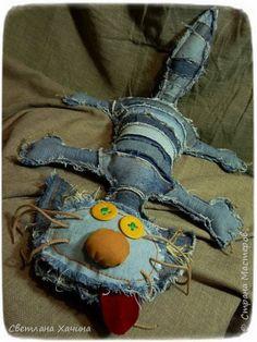 JEANS - Diy and Crafts - Stoffhandwerk Ideen und Vorschlag - Denim Fashion Fabric Toys, Fabric Art, Fabric Crafts, Sewing Toys, Sewing Crafts, Sewing Projects, Jean Crafts, Denim Crafts, Monster Dolls