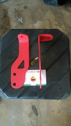 jual breket lampu tembak -untuk mobil jimny katana -warna merah , bahan besi -harga sepasang kiri kanan,082210151782